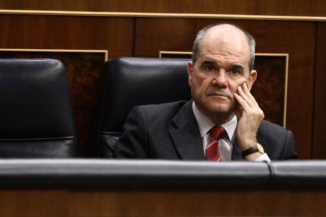 Plano Serio De Manuel Chaves En El Congreso