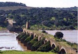 Panorámica del Puente de Ajuda en Olivenza