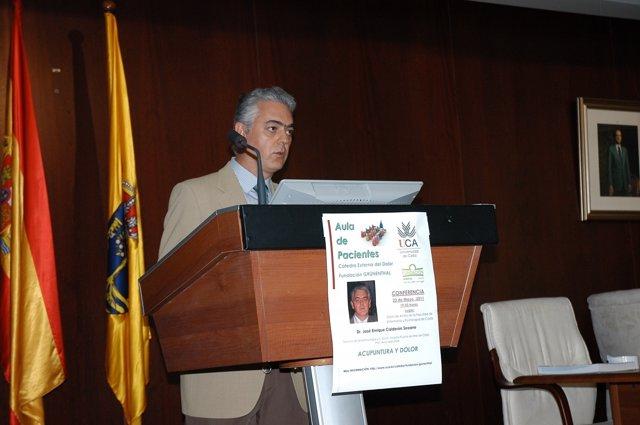 José Enrique Calderón, Del Servicio De Anestesiología Y Unidad De Dolor Del Hosp