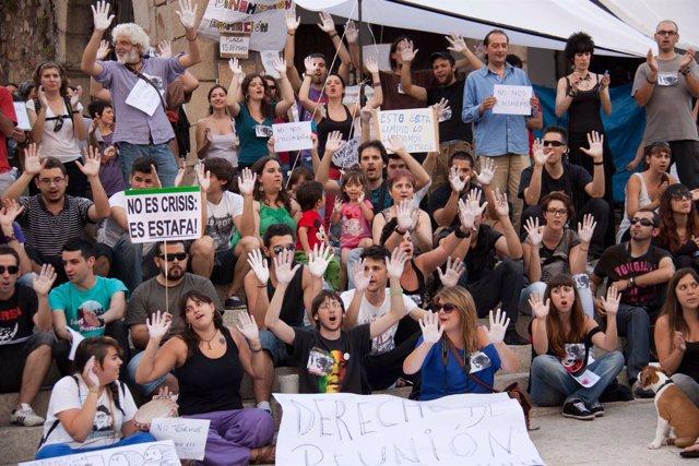 'Indignados' Protestando En Cáceres