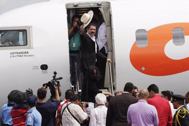 Manuel Zelaya A Su Llegada A Honduras