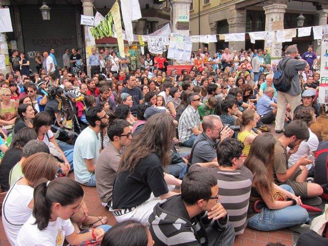 'Indignados' En Valladolid Guardan Silencio Por Los Heridos De Barcelona.