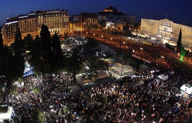 Protestas En Grecia Contra La Clase Política Inspiradas Por El Movimiento 15M