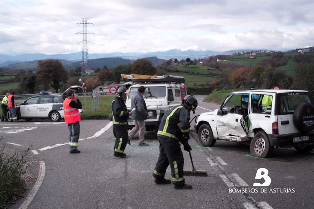 Accidente de tráfico en Tineo