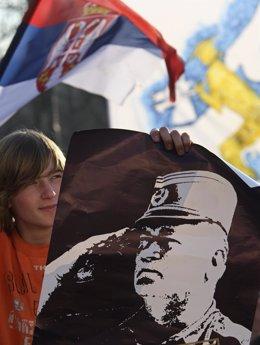 Manifestante Partidario De Mladic