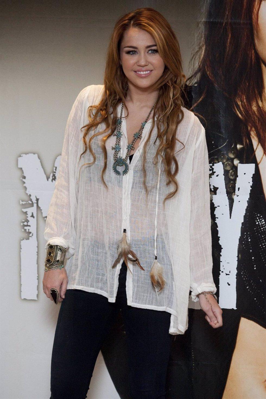 Miley Cyrus En Una Presentación
