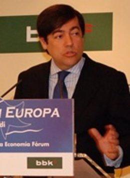 Fernando García Macua Defiende Su Gestión En El Forum Europa