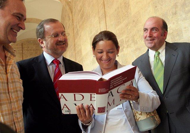 Font De Mora Y Figueres En La Presentación Del  Diccionari Ortogràfic Valencià
