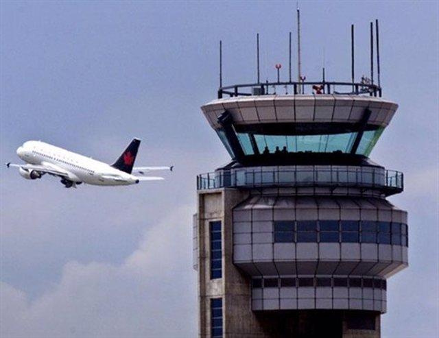Torre de control de un aeropuerto