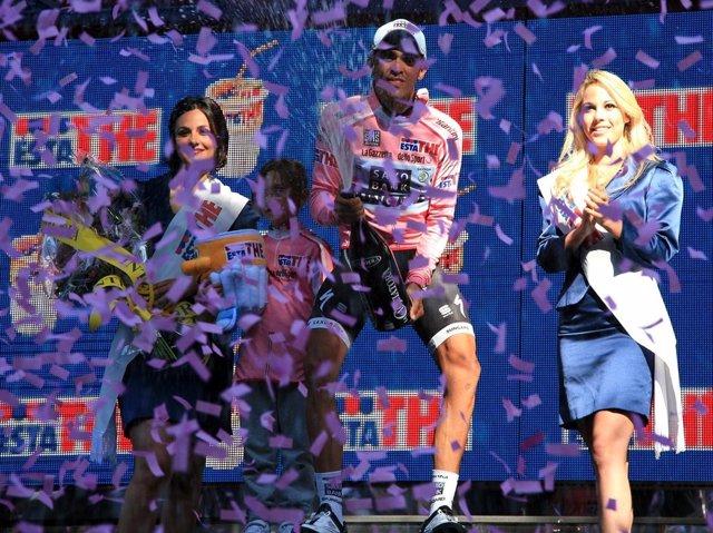 Alberto Contador, En El Podio Del Giro 2011