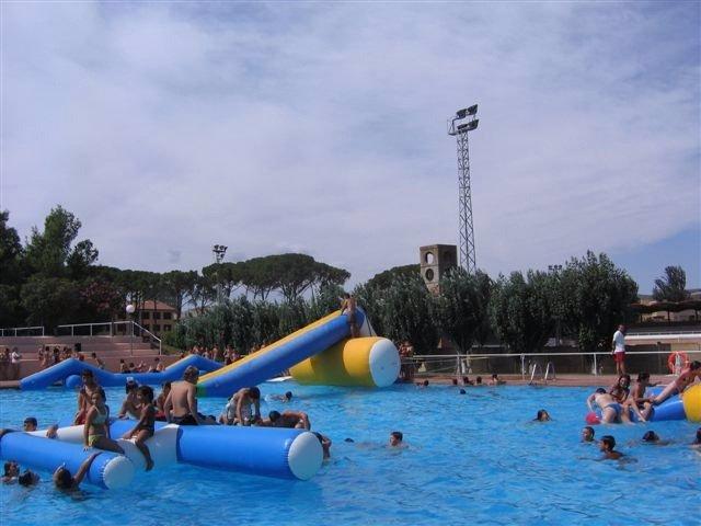 las piscinas municipales de fraga huesca reabren sus