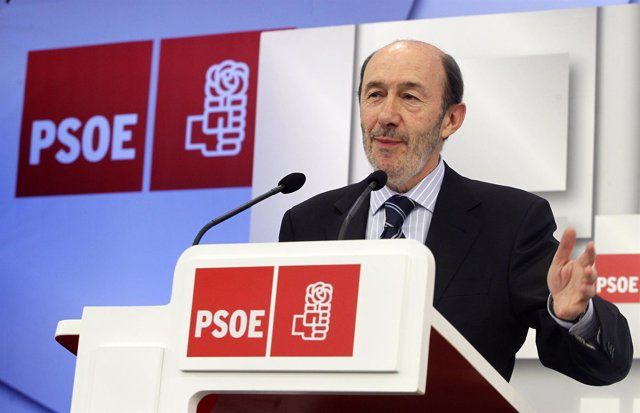 Rueda De Prensa De Alfredo Pérez Rubalcaba