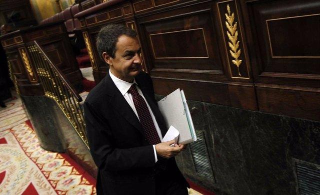 Zapatero, Saliendo Del Hemiciclo Del Congreso