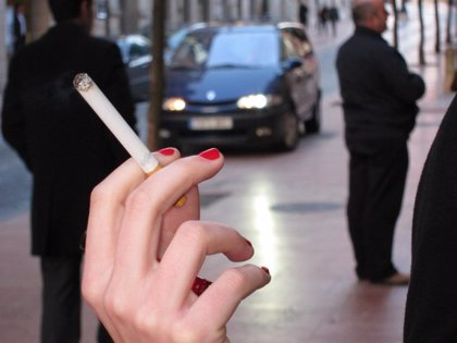 La OMS alerta de que este año el tabaco causará 6 millones de muertes en todo el mundo, un 10% de fumadores pasivos
