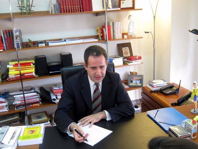 Jorge Alarte En Su Despacho