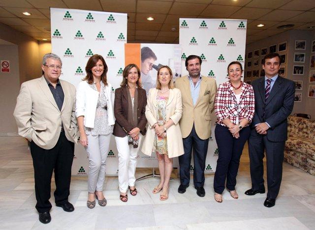 En El Centro De La Imagen La Coordinadora De Política Social Del PP, Ana Pastor,