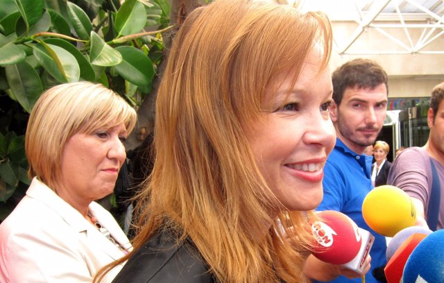 La Ministra De Sanidad, Leire Pajín