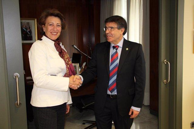 Firma Del Convenio Entre El Consejo General De Dentistas Y La AECC.