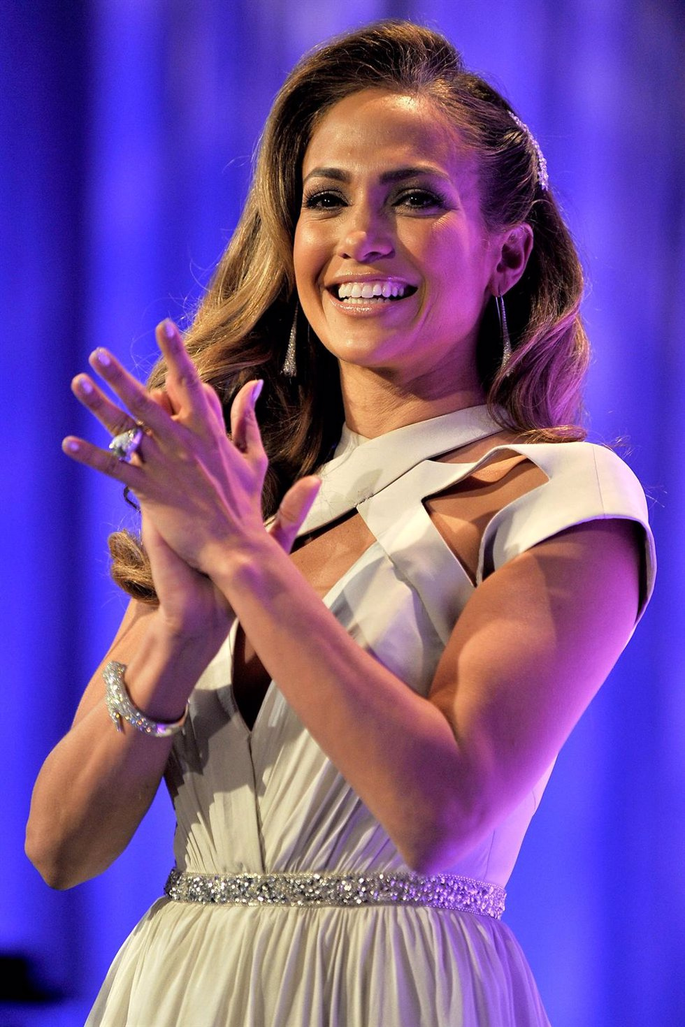 Jennifer Lopez Aplaudiendo En Una Presentación