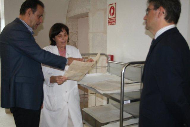 El Subdelegado Del Gobierno, Miguel Alejo, En El Archivo De Simancas