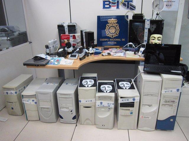 Material Incautado Por La Policía A La Cúpula Detenida De Anonymous En España
