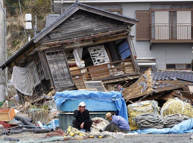 Evacuados De Fukushima En Japón