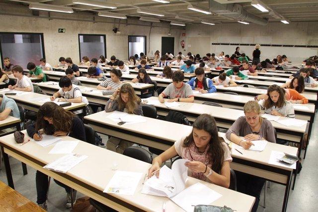 Imagen De Uno De Los Exámenes De La UPNA.