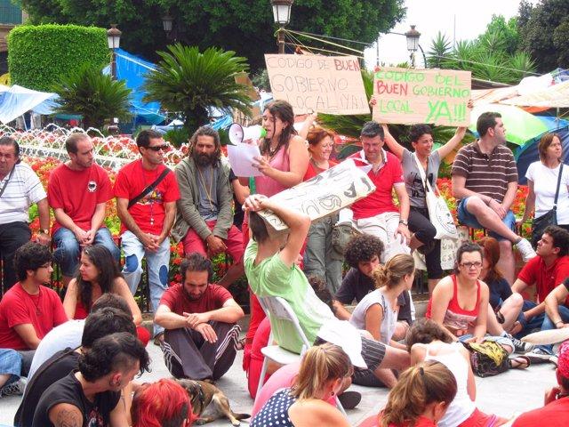 Indignados En La Plaza De La Glorieta De Murcia