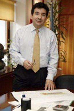 Carlos Cortina, Alcalde De Astillero