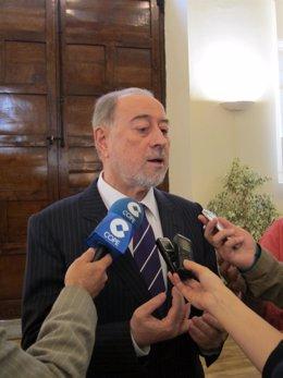 El Alcalde De Oviedo, Gabino De Lorenzo