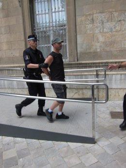 Uno De Los 'Indignados' Detenidos En Palma