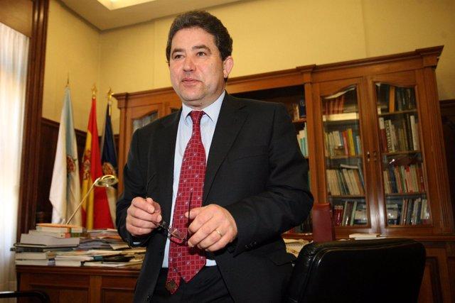 Miguel Fernández Lores