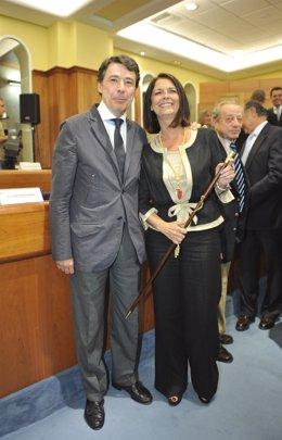 Ignacio González Y Paloma Adrados, Durante Su Investidura Como Alcaldesa L.Rozas