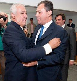 Javier Arenas Felicita A José Luis Sanz En Su Toma De Posesión Como Alcalde