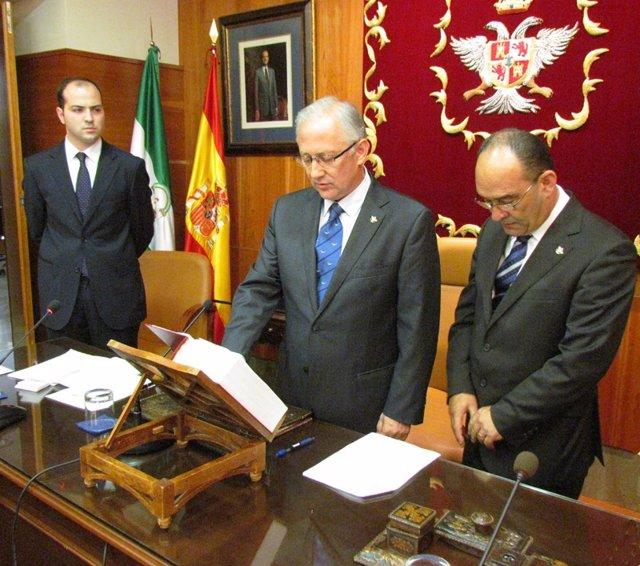 El Alcalde De Alhaurín El Grande, Juan Martín Serón, Jura El Cargo