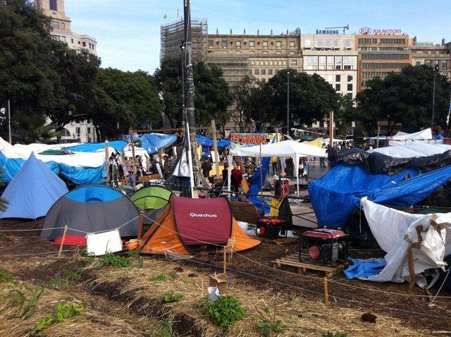 Acampada En Plaza Catalunya El Sábado 11 De Junio