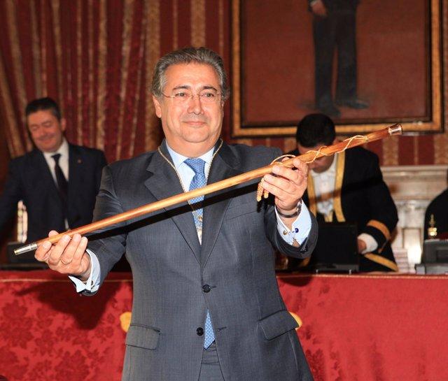 Zoido Con El Bastón De Alcalde