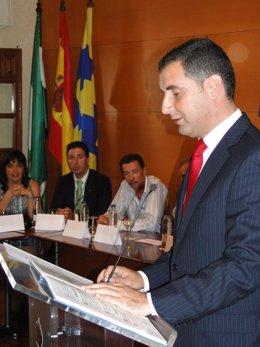 El Alcalde De Moguer, Gustavo Cuéllar, Toma Posesión De Su Cargo.