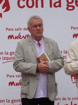 El Coordinador General De IU, Cayo Lara, En Un Acto Público