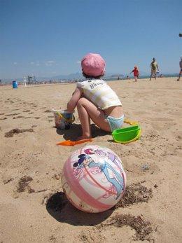 Niño En Una Playa