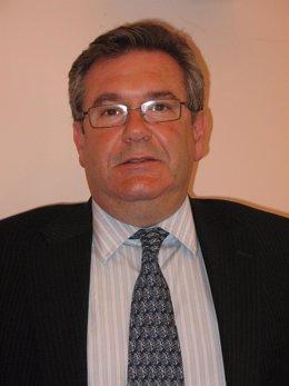 Jose Vicente Santa Cruz
