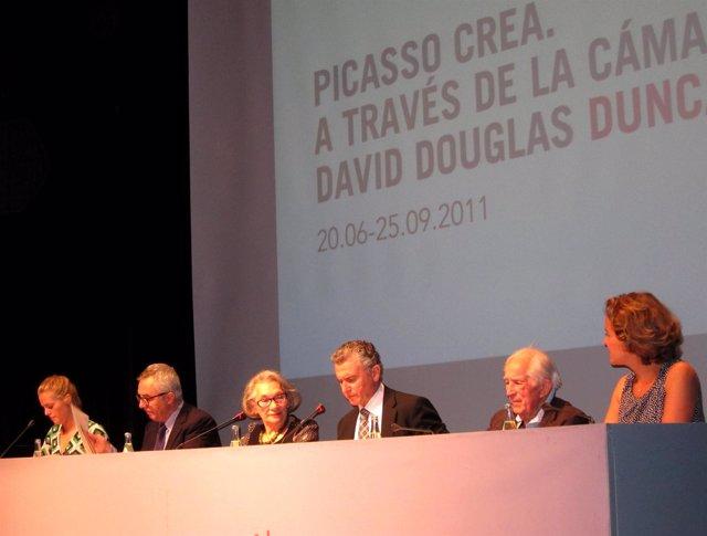 Plata Y Christine Ruiz Picasso En La Presentación De Una Muestra En El MPM
