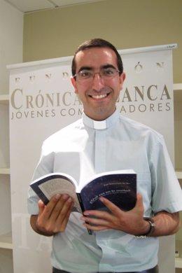 El Experto En Sectas, El Sacerdote Luis Santamaría Del Río