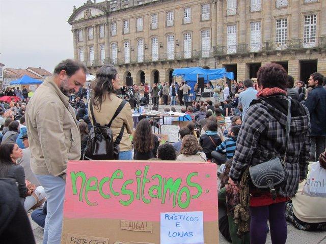 Participantes En La Acampada Del Movimiento 'Indignados' En El Obradoiro