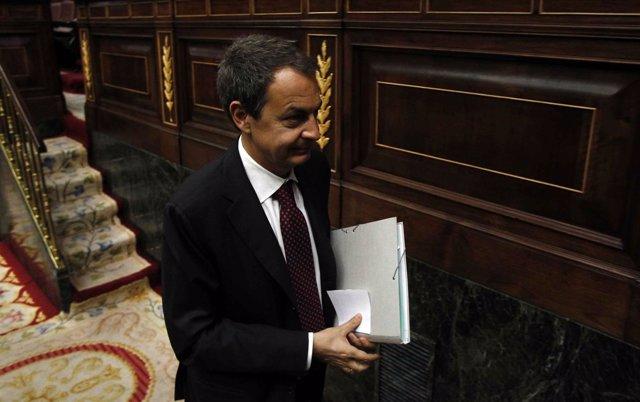 Zapatero Entra En El Congreso De Los Diputados