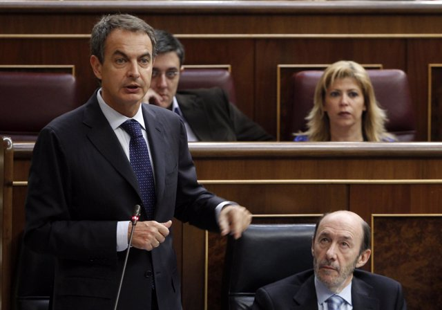 Zapatero Durante Una Sesión De Control Al Gobierno