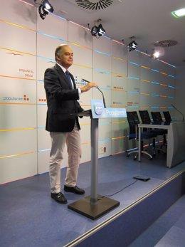 Esteban González Pons En La Sede Del PP Valenciano