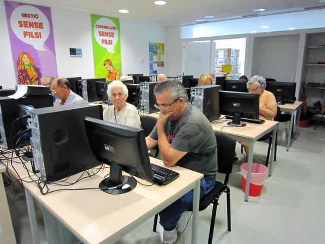Curso De Informática Para Personas Mayores.