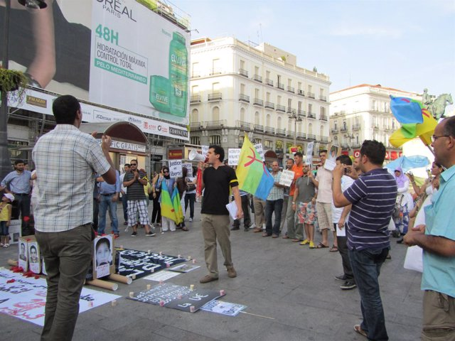 Manifestación En Madrid Del Movimiento 20 De Febrero (Marruecos)