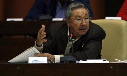 """Cuba.- Raúl Castro pide ser más exigentes en todas las áreas para frenar la """"desorganización"""" y el """"descontrol"""""""